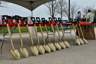 Ace Hardware Groundbreaking